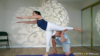 After yoga class Mandy Muse please her friend's detect essentially put emphasize floor