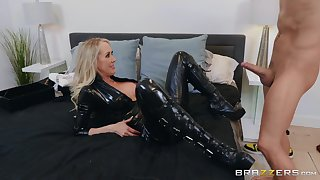 The disastrous leather makes Brandi Love hornier for her friend's dick