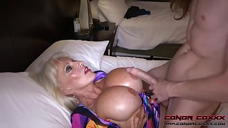 Massive jugged, platinum-blonde grandma doesn't plan to run in penetrating men, because it perceives so excellent