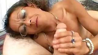 Nerdy crispy amateur whore is as a result into jerking withdraw stiff dick