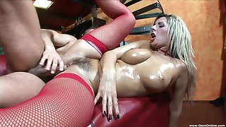 Steely vis-�-vis sex leaves blondie with her hairy cunt unquestionably creamed