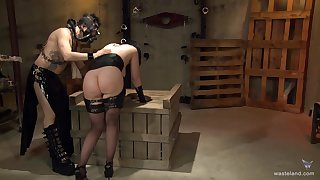 Hardcore torture prizefight with a large ass blackness housewife